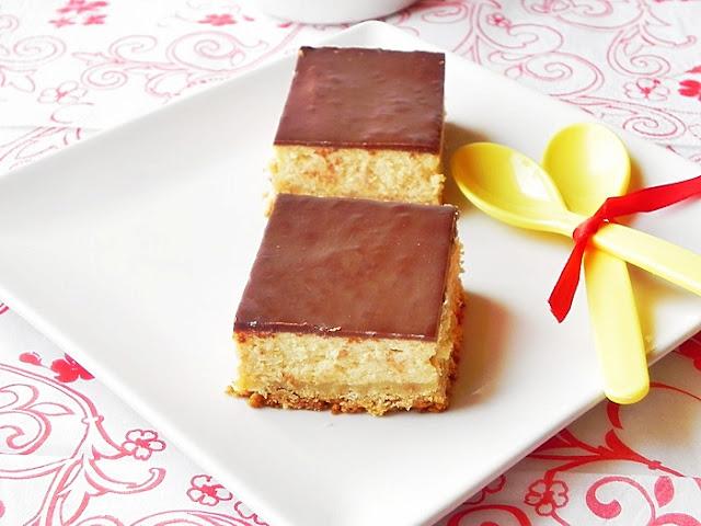 Prajitura cu branza si dulce de leche – Dulce de leche Cheesecake Bars