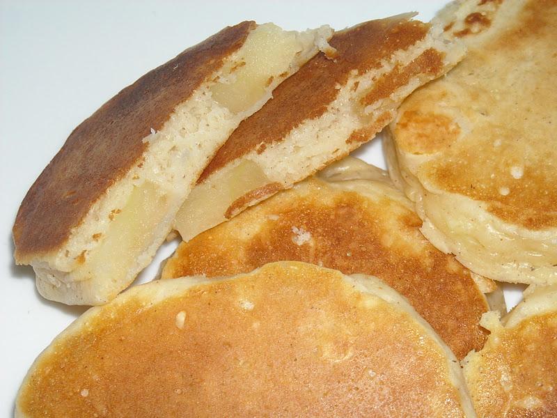 Crafty Cook: Apple Cinnamon Stuffed Pancakes