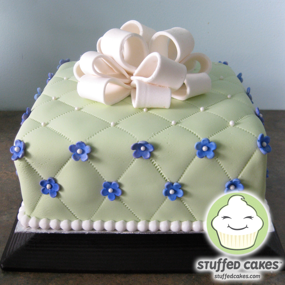 Stuffed Cakes: Quilted Gift Box Bridal Shower Cake