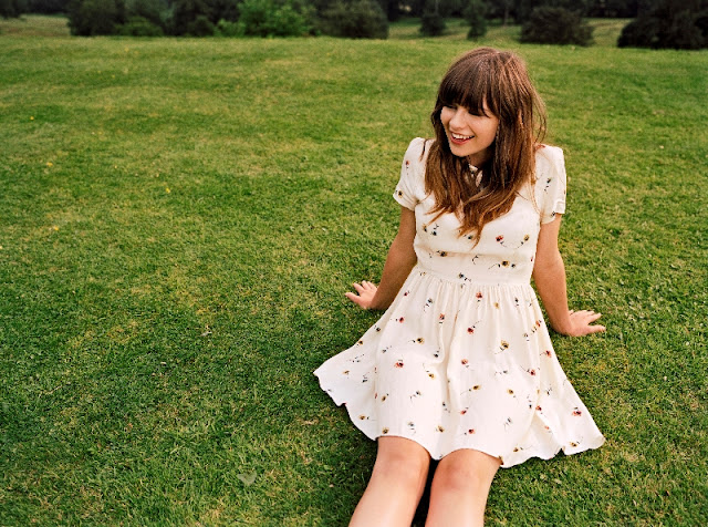 J conhece o som da Gabrielle Aplin?
