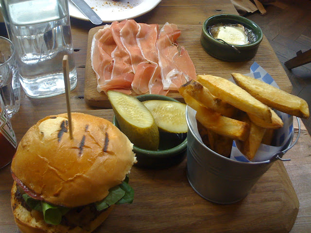 Bishopsgate+Kitchen+review+Liverpool+Street+burger+chips