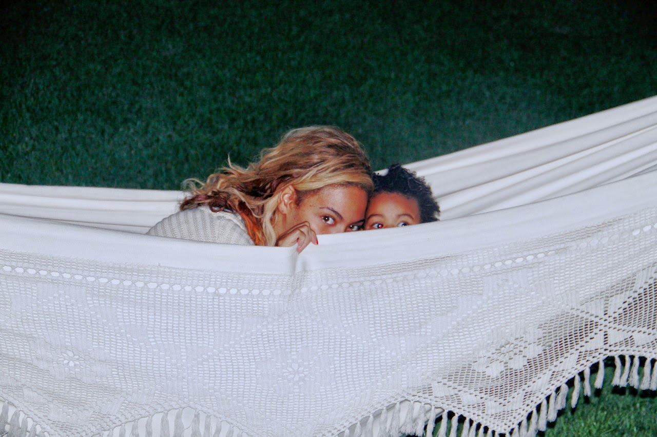 Mommy time beyonce plays with blue ivy in hammock