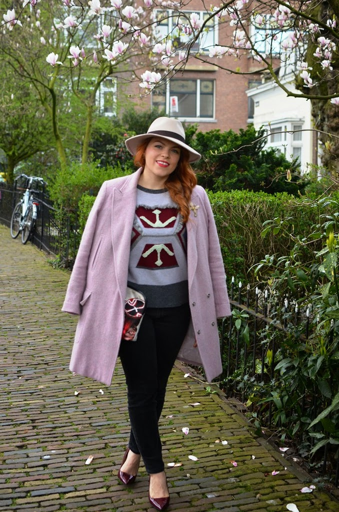 fashion-bridge, fashon-bridge blog, www.fashion-bridge.blogspot.com, street style, street style Netherlands, street fashion Holland, pink coat, vintage Omega, Tres Jewellery