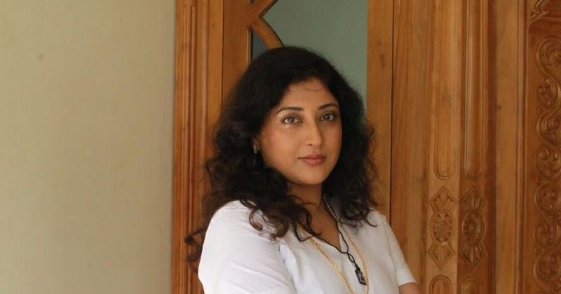 Lakshmi Gopalaswami: Lakshmi Gopalaswami Hot Photos From Ginger New Malayalam