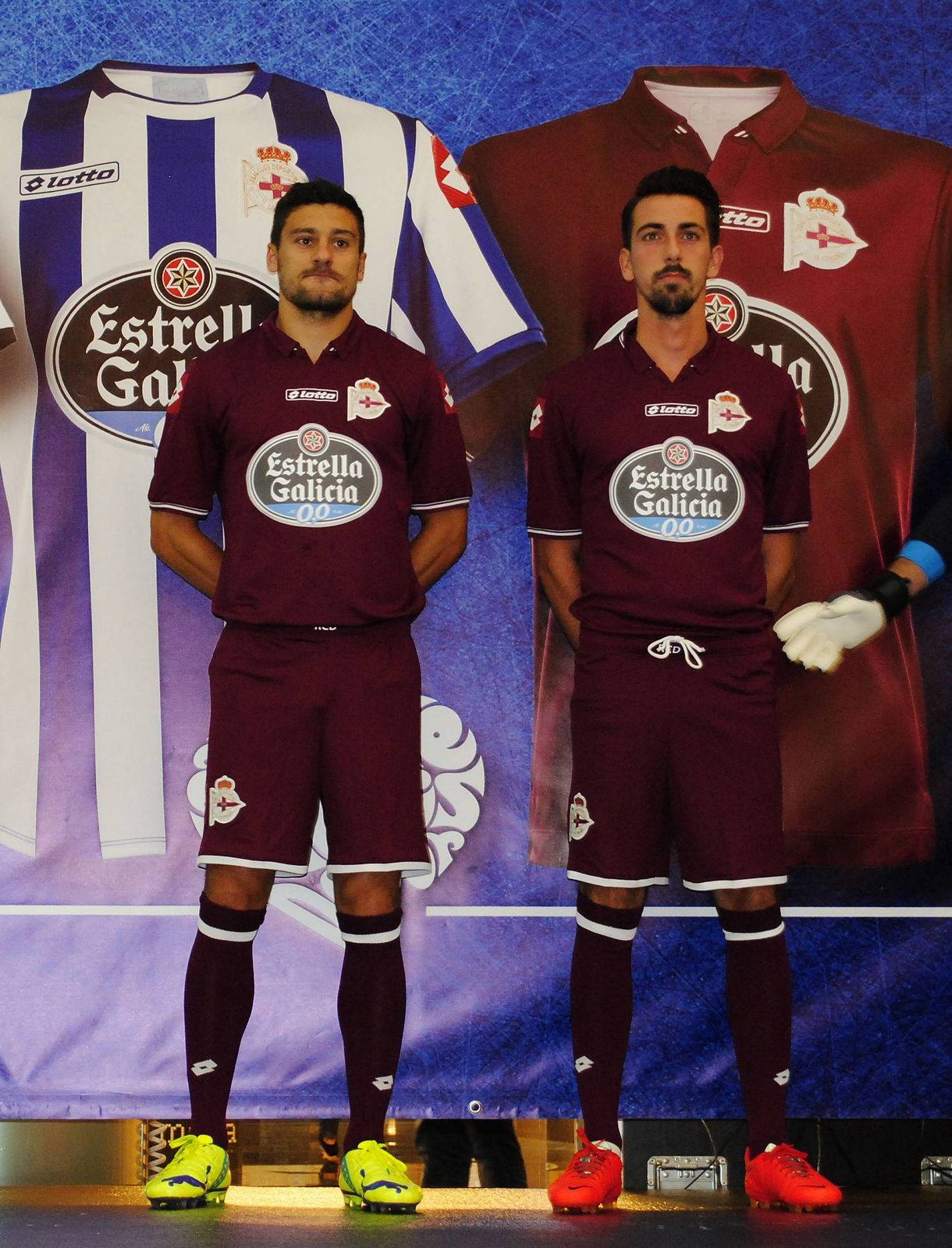 ¿Cuánto mide Roberto Canella? Deportivo-14-15-Third-Kit+(1)