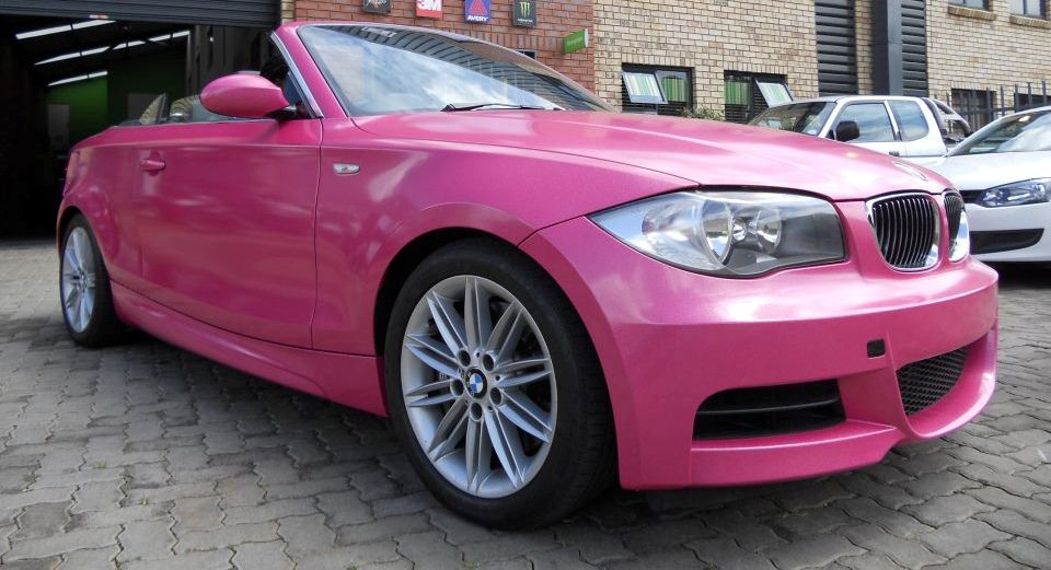 hot pink bmw 1 series convertible cruising streets of sa. Black Bedroom Furniture Sets. Home Design Ideas