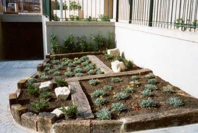 Madera para exterior jardines decorados con encanto for Ver jardines decorados