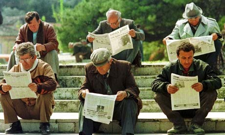 advantages of reading a newspaper