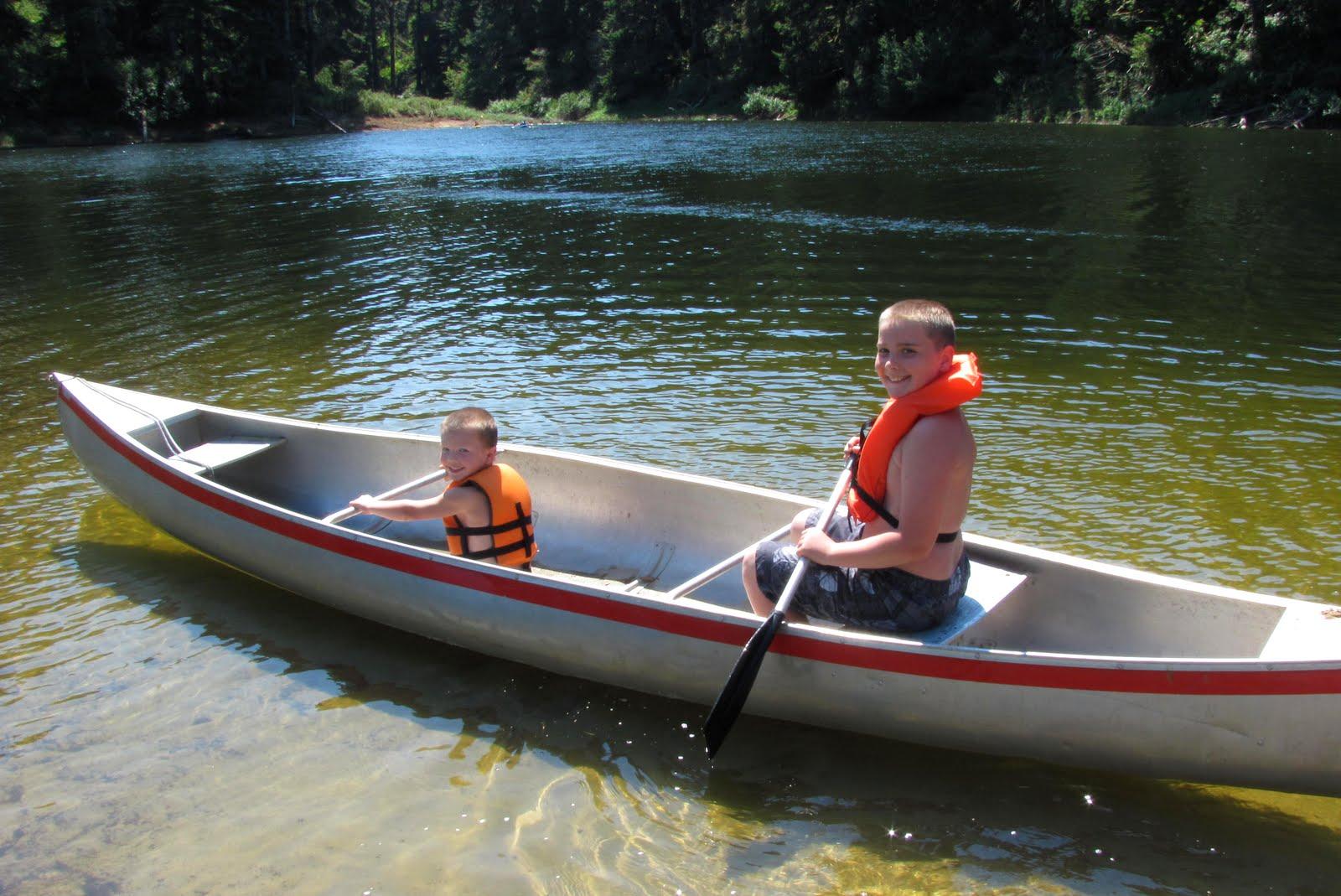 Jod la mode to the beach for Canoe vs kayak fishing