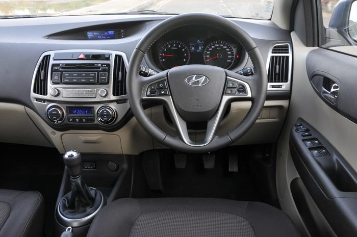 Test drive and review of new hyundai i20 car to ride - Hyundai i20 interior ...