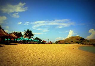 pasir putih Pantai Kuta Kabupaten Lombok Tengah