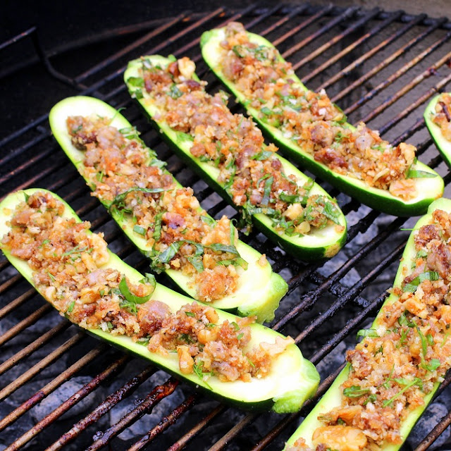 grilled herb and sausage stuffed zucchini pizza - 52 grilled pizzas and side dishes from the grill