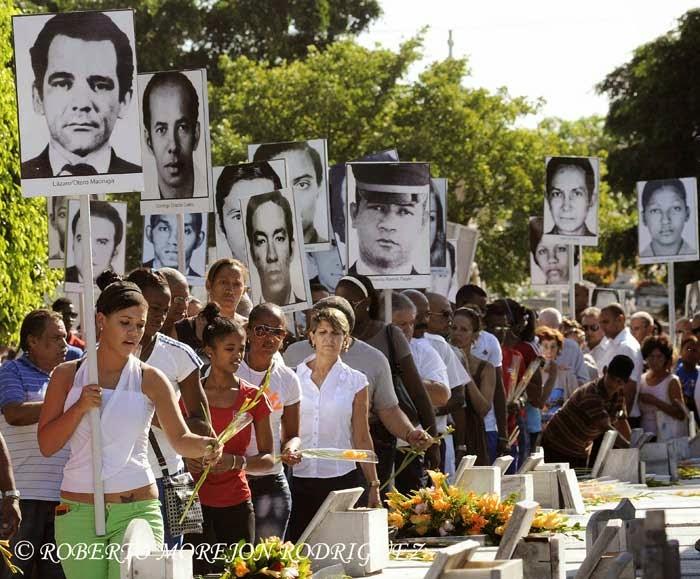Peregrinación por la conmemoración del Día de las Víctimas del Terrorismo de Estado, realizada en el cementerio de Colón, en La Habana, Cuba, el 6 de octubre de 2014.