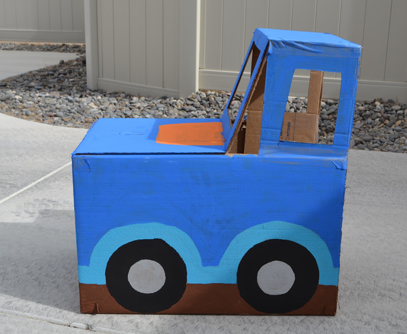 nifty thrifty thriving cardboard box cars
