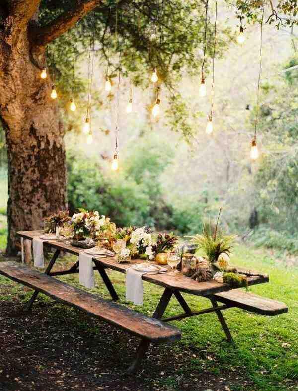 Garden Party dekoracja stołu na przyjęcie w ogrodzie, drewniany stół ogrodowy