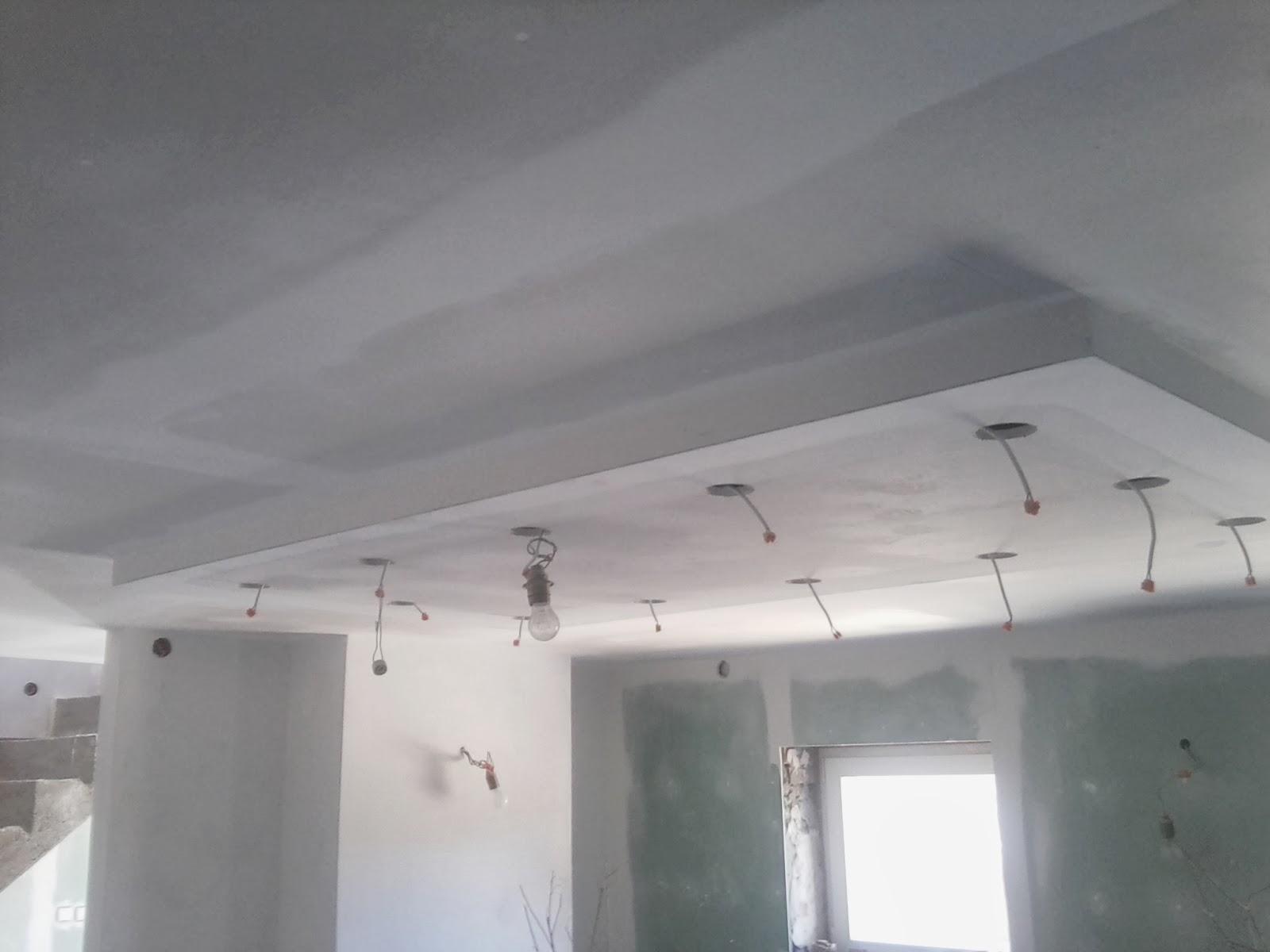 remont starego domu oświetlenie sufit podwieszany
