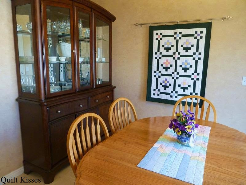 Quilt Kisses: Different Ways to Hang Quilts : hang quilt on wall - Adamdwight.com