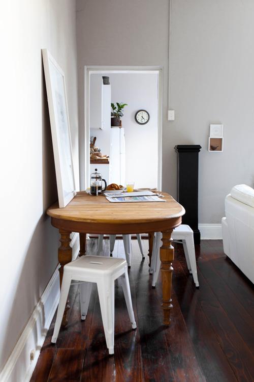Decoritzion mesa antigua con sillas nuevas old table for Mesa 3 en 1 con 2 sillas