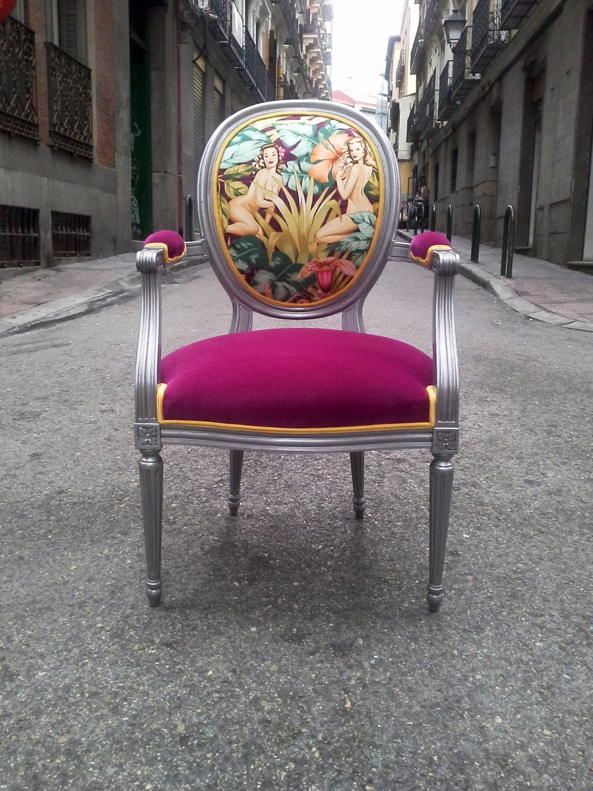 La tapicera silla luis xvi tapizada con tela de pin ups - Sillas provenzal tapizadas ...