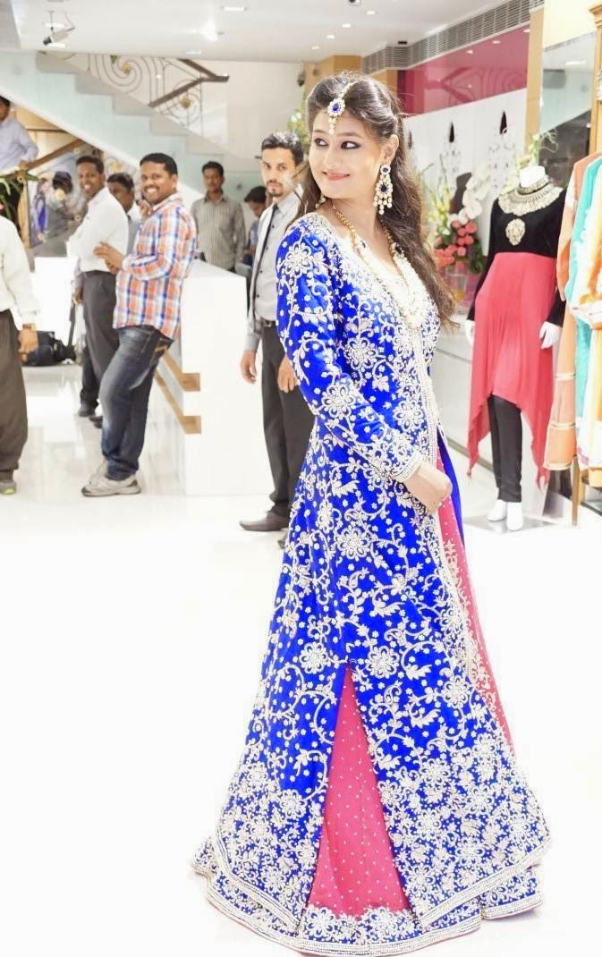 Actress Nilofer In Pink and Blue Designer lehenga