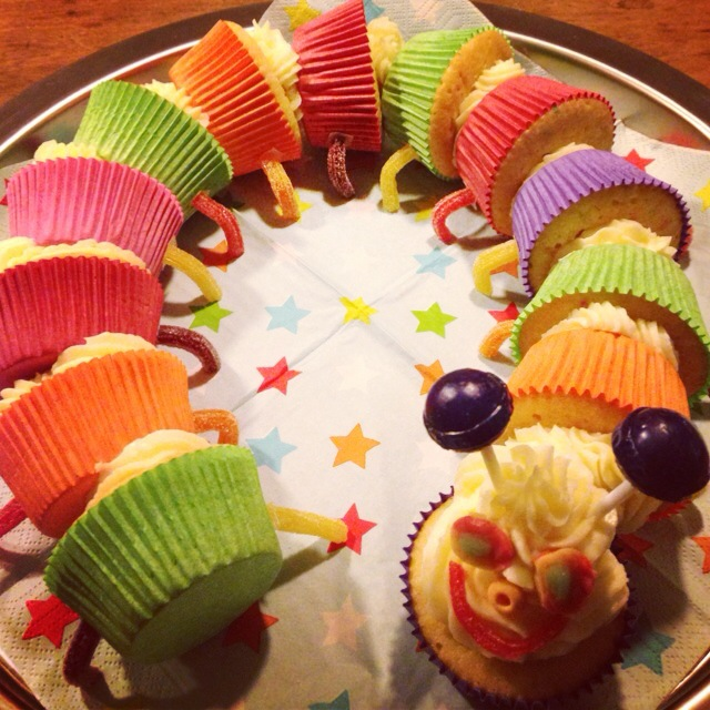 De cupcake rups februari 28 2013 door francesca van