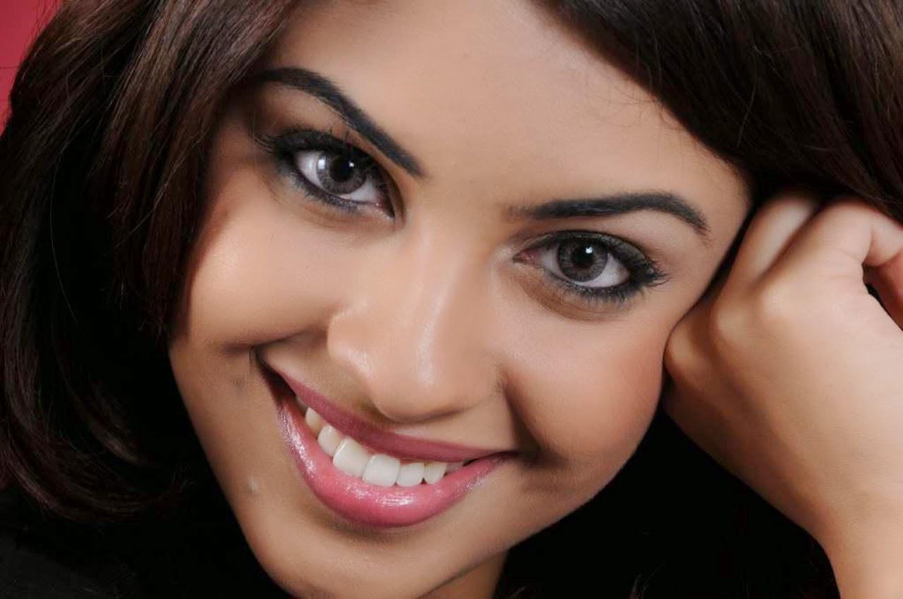 richa gangopadhyay hot pics close-up
