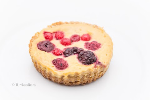 Small Berry Cheesecakes