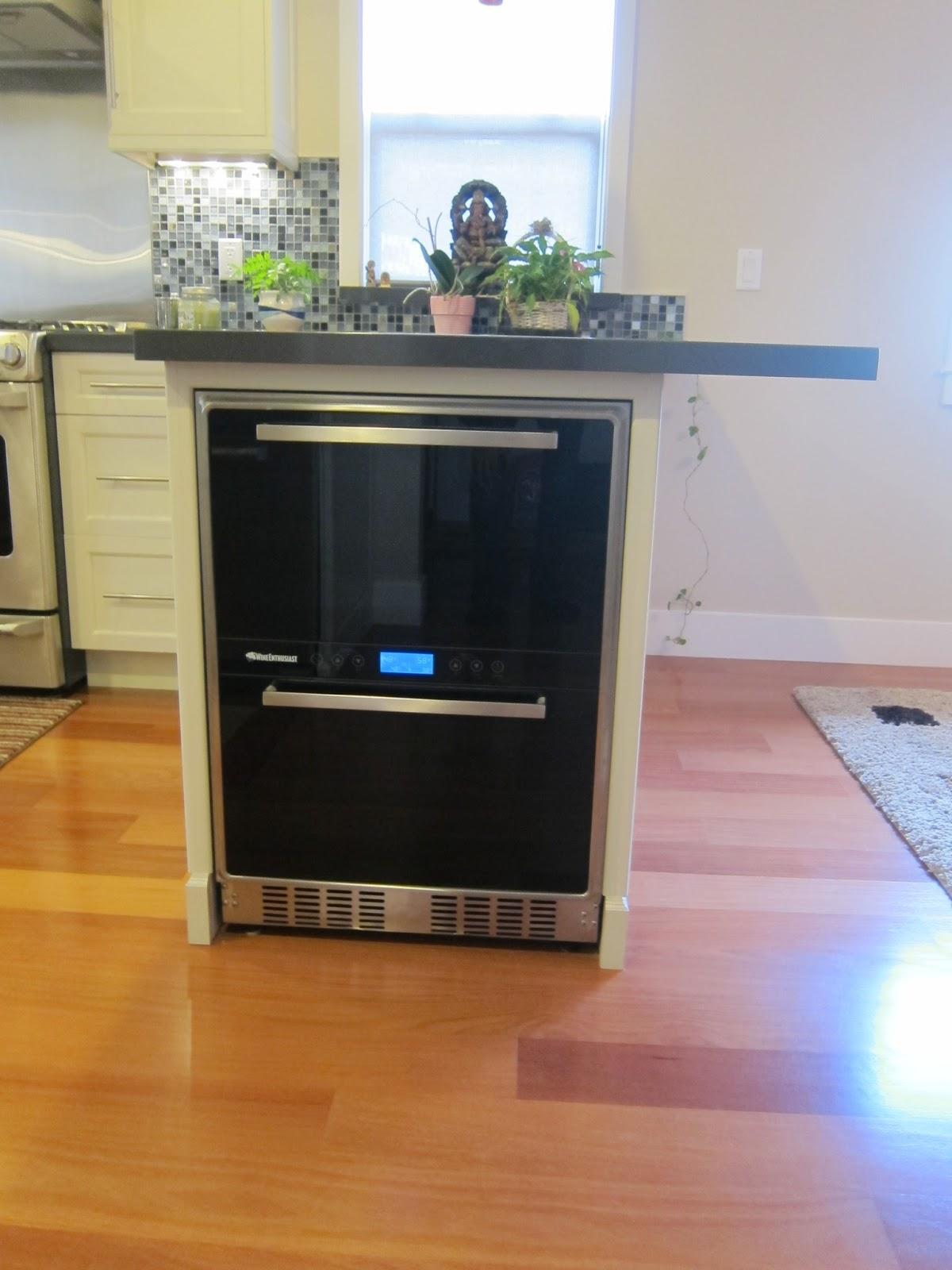 White Kitchen Cabinets, Quartz counter top, Farmer Sink, Glass