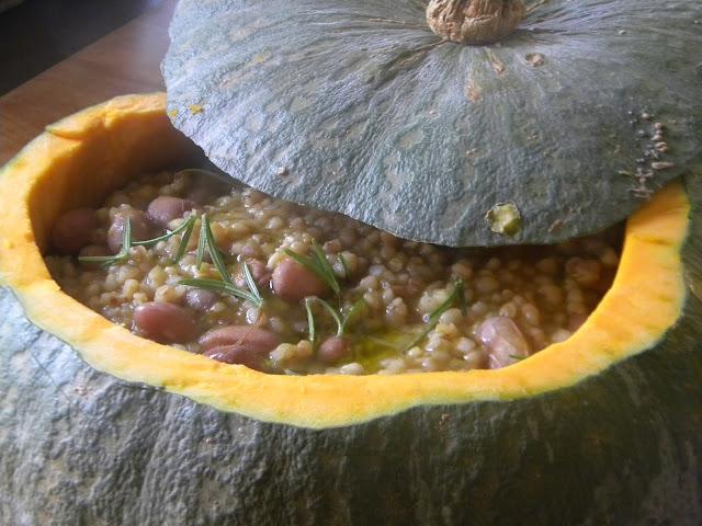zuppa con zucca funghi porcini borlotti e orzo perlato