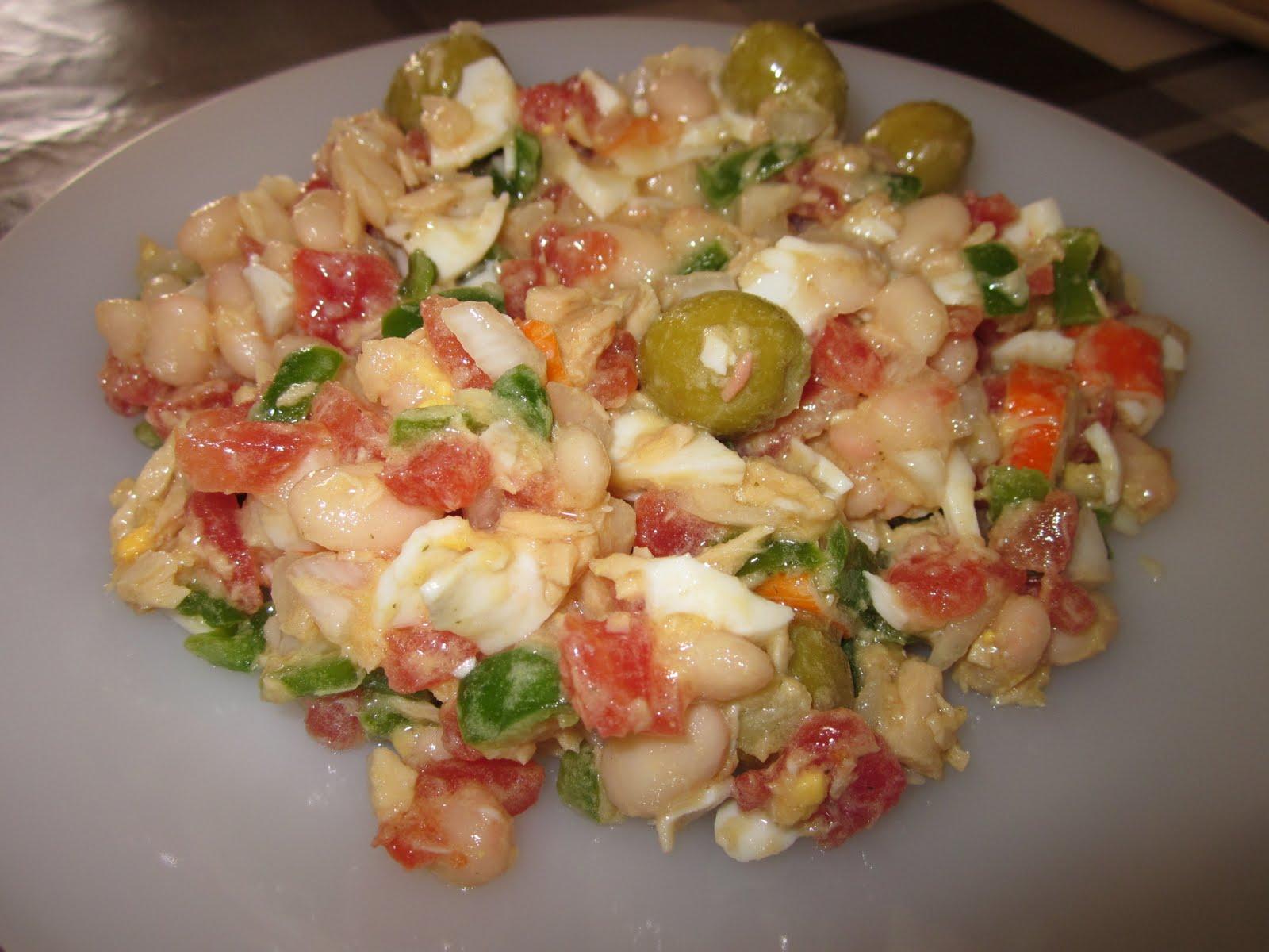 Cocina y hornea ensalada de jud as blancas - Ensalada fria de judias blancas ...