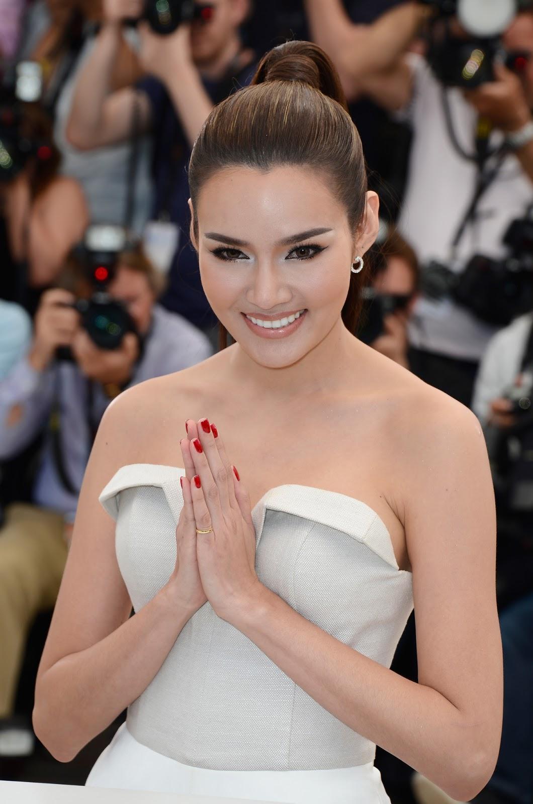 Thai actress Rhatha Phongam HD Photos, Wallpapers