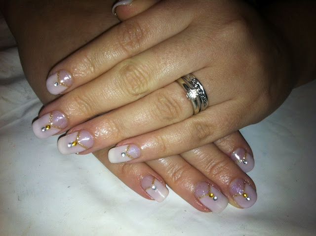 The Appealing Gold glitter nail art designs Image