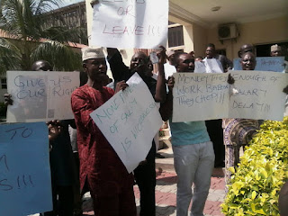 University workers protest non-payment of salary in Kogi, accuse VC of highhandedness