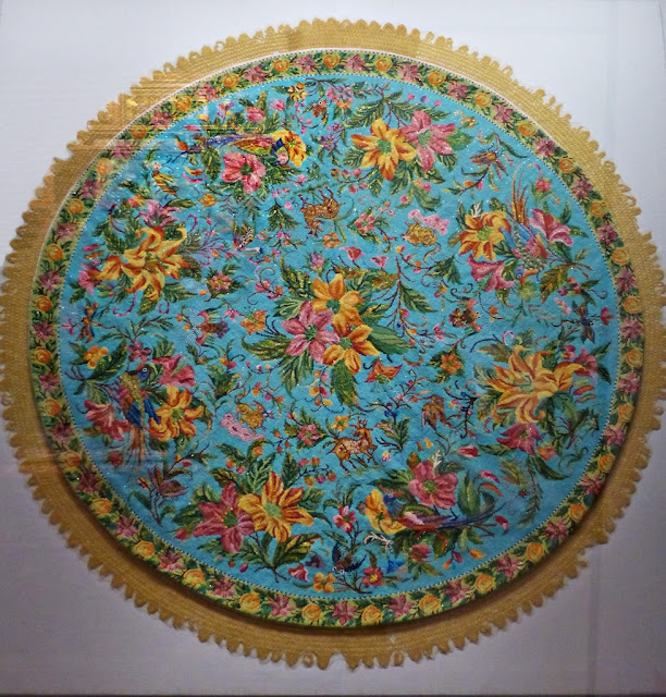 Straits Settlements round beadwork tablecloth, early 20th century