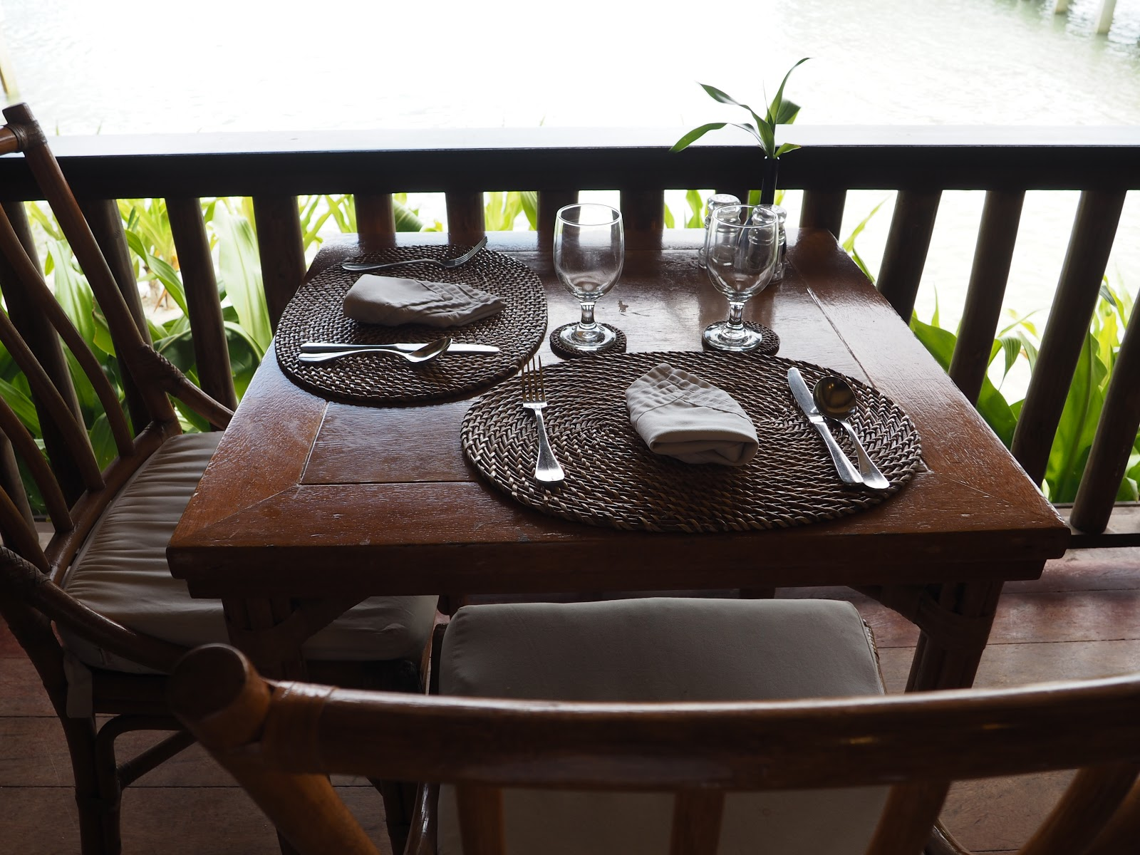 laid table, Miniloc Island, El Nido