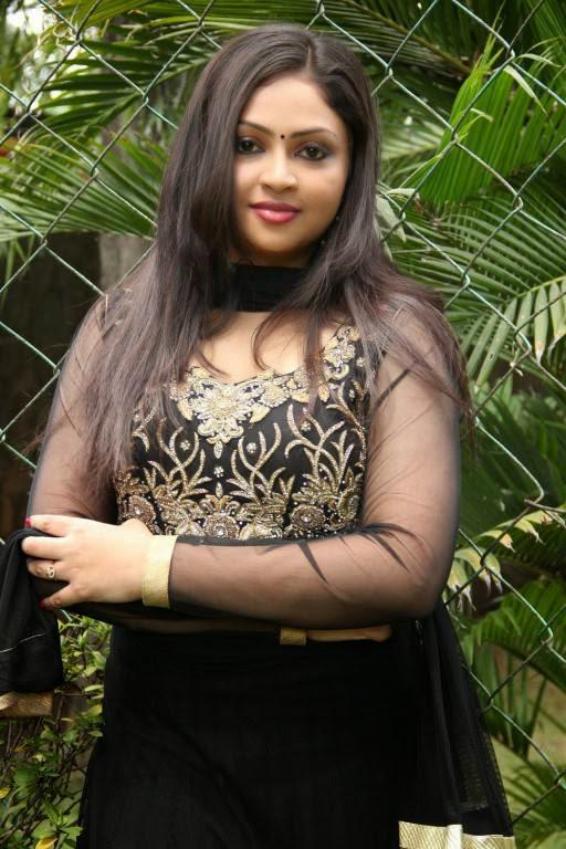Actress Arundhathi Nair Latest Cute Hot Black Dress Spicy Photos Gallery At Ponge Ezhu Manohara Team Meet