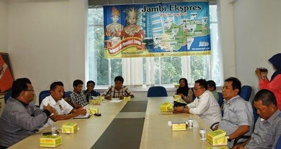 Diskusi politik yang digelar di Graha Pena Jambi Ekspres