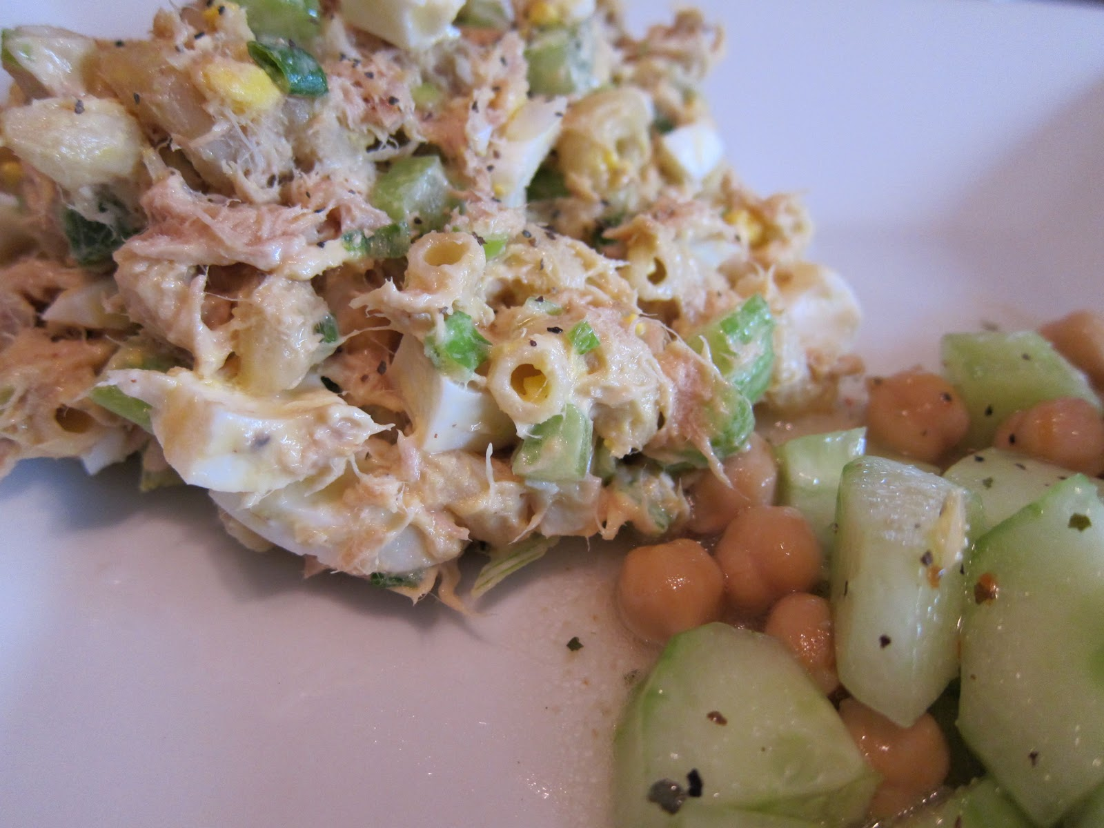 Tuna macaroni salad what 39 s for dinner for Macaroni salad with tuna fish