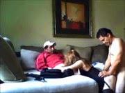 Dividindo a esposa safada com seu melhor amigo - http://videosamadoresdenovinhas.com