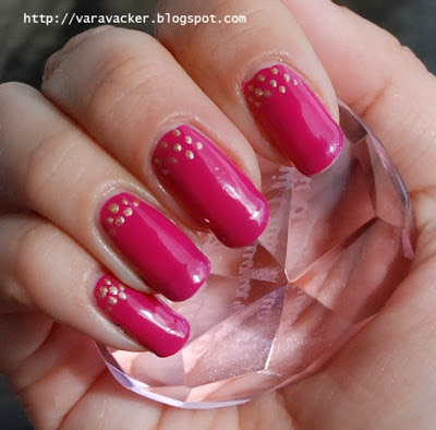 naglar, nails, nagellack, nail polish, rosa, pink, nail art, dots, prickar