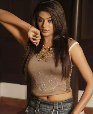 hot actress Priyamani