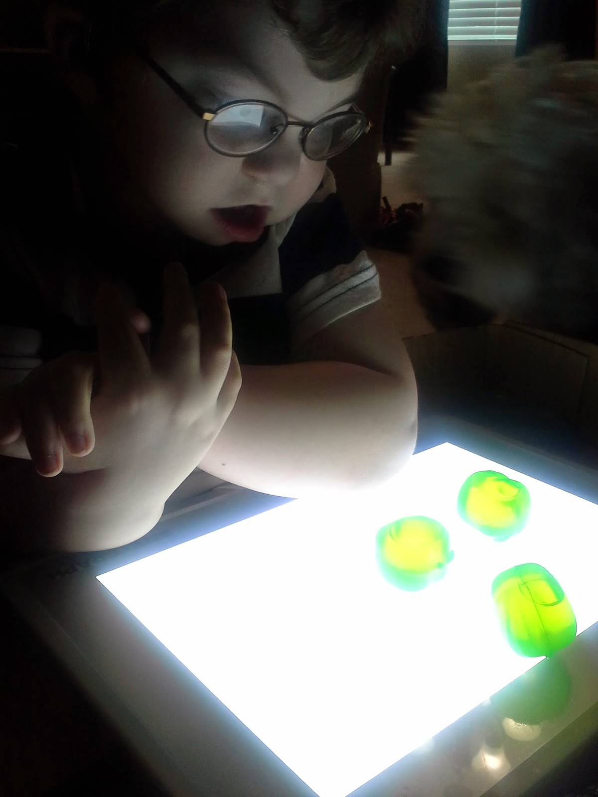 teaching kids with low vision using a lightpad