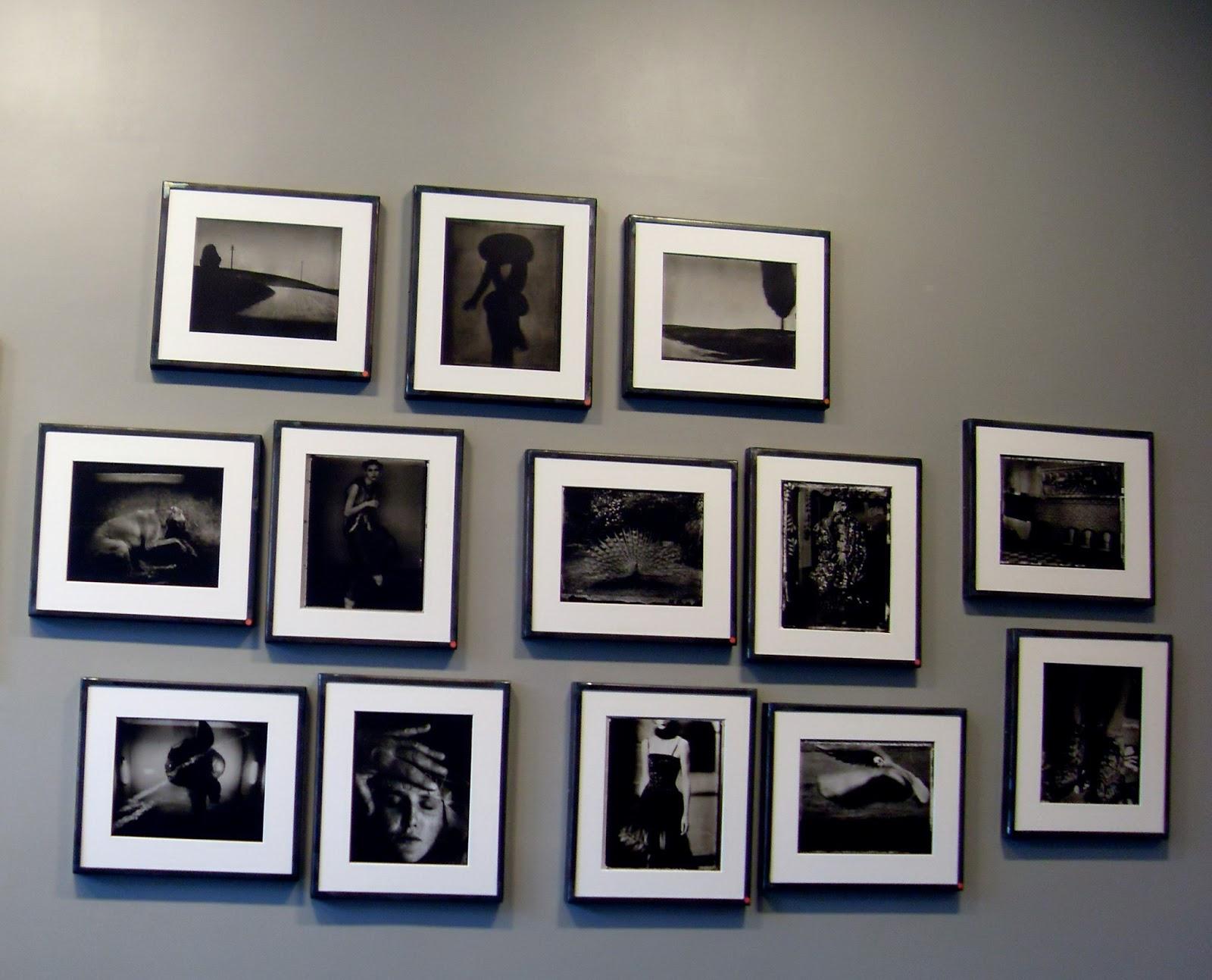 Comment disposer un cadre sur un mur gorgeous and luxury - Decorer un mur avec des cadres photos ...
