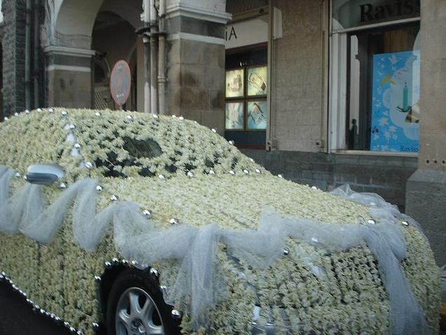 Fashion World Latest Fashion Wedding Cars In Pakistan
