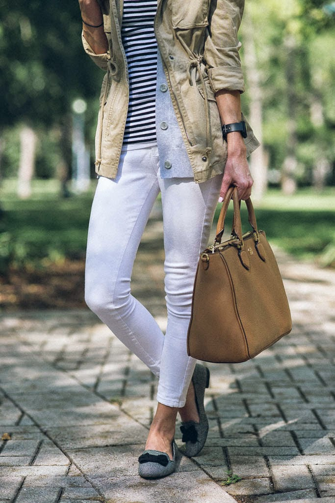 BOW FLATS, SOLE SOCIETY FLATS, TORY BURCH ROBINSON TOTE, FALL FASHION, STRIPES, UTILITY JACKET, OLD NAVY UTILITY JACKET, WHITE DENIM IN FALL, WHITE AFTER LABOR DAY