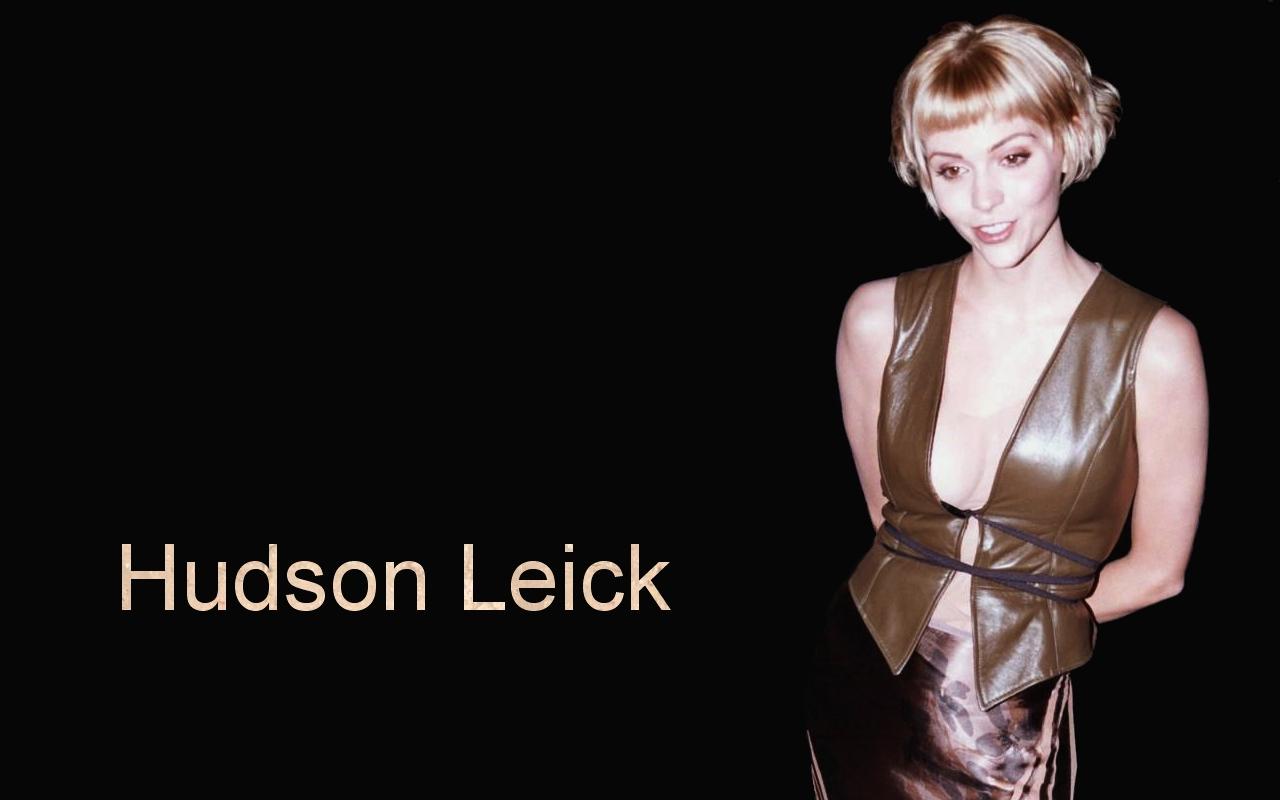 http://4.bp.blogspot.com/-XawbtMhbB10/UT4CUgRDToI/AAAAAAAGeDM/nruaFFel50Q/s1600/Hudson+Leick+Wallpaper+07.jpg
