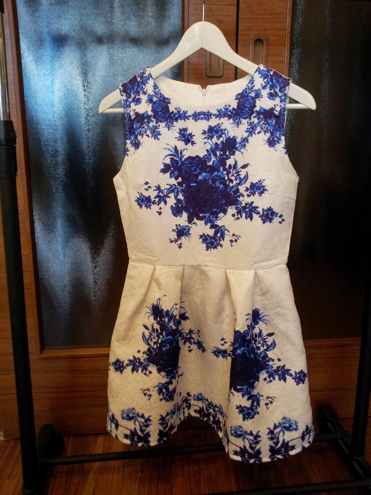 Šaty, ktoré lákajú pozornosť :)