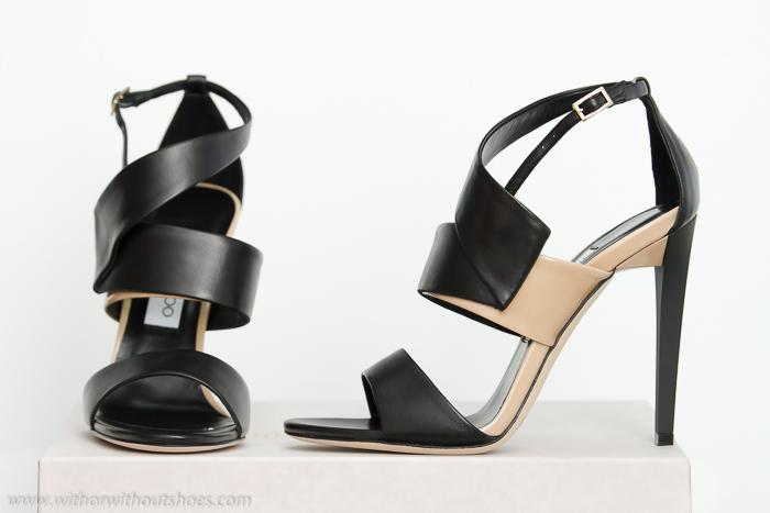 Regalo de Reyes Nuevas Sandalias de tiras negro y beige nude modelo Trapeze de Jimmy Choo