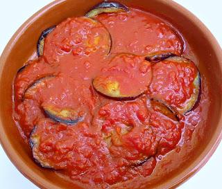 Berenjenas con Tomate y Albahaca a la Greiga