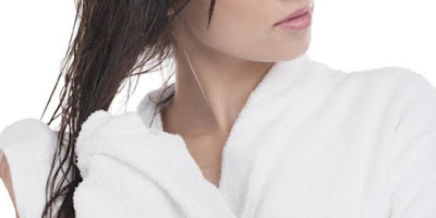 Empat Cara Mengeringkan Rambut Setelah Mandi Dengan Benar